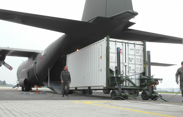 Aircraft loading system
